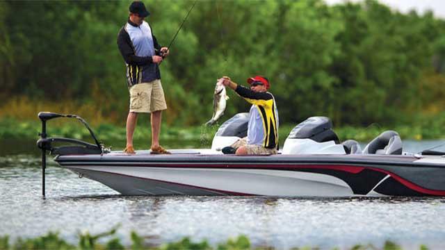 Рыбалка с катера типа bass