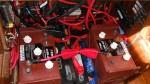 Как зарядить два аккумулятора одновременно