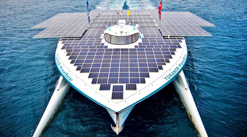 Яхта на солнечных батареях
