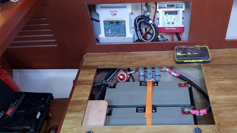 зарядные устройства на яхте